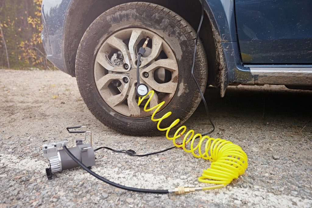 pump for filling a car's tire