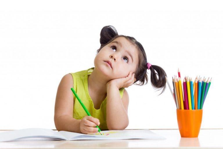 kid doing art